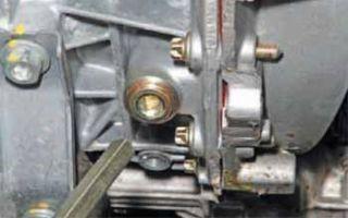 Как проверить уровень масла в коробке передач рено логан