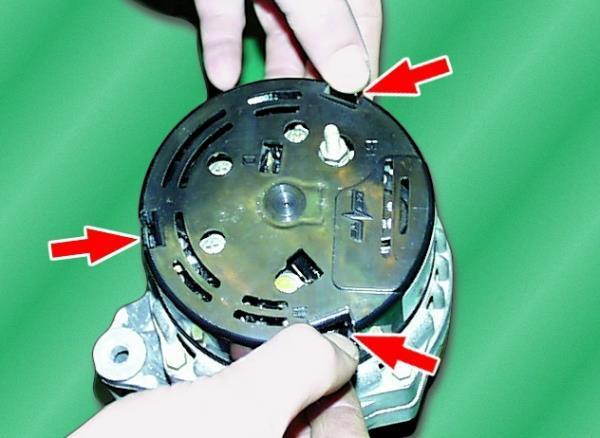 Как снять генератор для замены на ВАЗ-2114: фото и видео