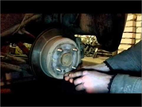 Регулировка стояночного тормоза на Шевроле Лачетти: фото и видео
