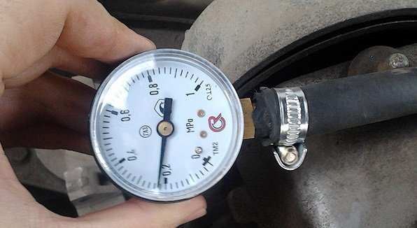 ВАЗ-2114 горит датчик уровня масла, что делать: фото и видео