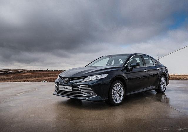 Новая Тойота Камри 2018 для России: фото, комплектации, цены