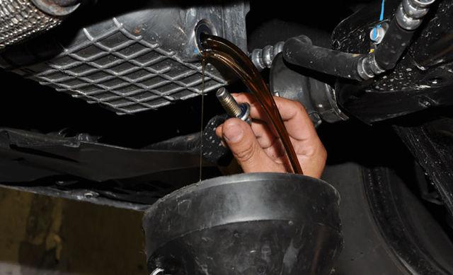 Какое масло лить в двигатель Шевроле Кобальт