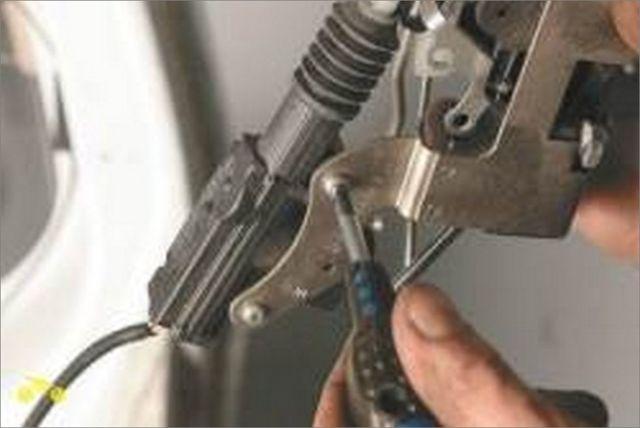Замена ручки двери на Нива Шевроле: фото