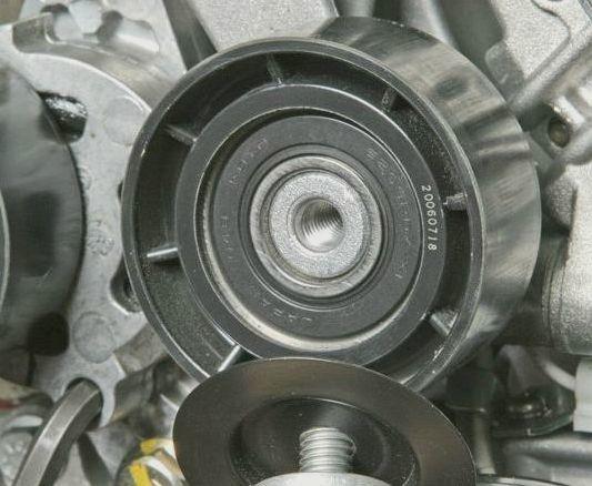 Замена ролика натяжителя ремня генератора Рено Логан: фото и видео