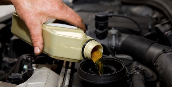 Какое масло лучше заливать в двигатель ВАЗ-2112 16 клапанов