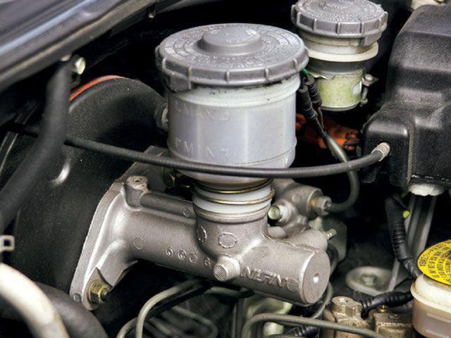 ВАЗ-2112 прокачка тормозов: последовательность, схема и видео