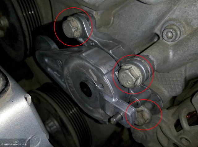 Замена ролика натяжителя ремня генератора Фольксваген Поло седан