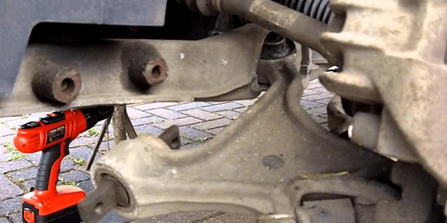 Замена сайлентблоков передних рычагов Рено Логан своими руками: видео