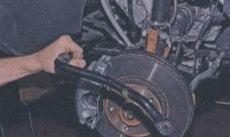 Стук в передней подвеске на мелких кочках и неровностях Рено Логан