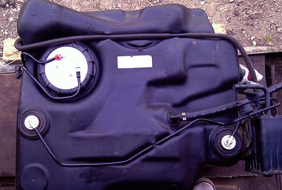 Как снять топливный бак на Форд Фокус 2: фото