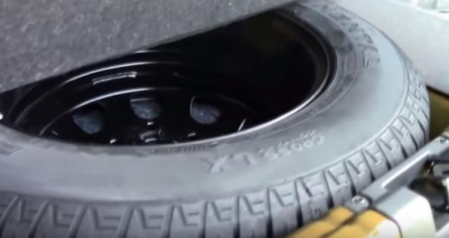 Какой объём багажника у Рено Дастер в литрах: фото и видео?