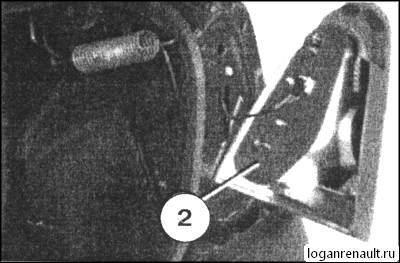 Замена лампочки подсветки номера Рено Логан: фото и видео
