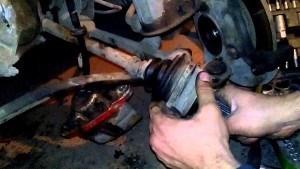 Как заменить пыльник шруса на ВАЗ-2112: фото, видео