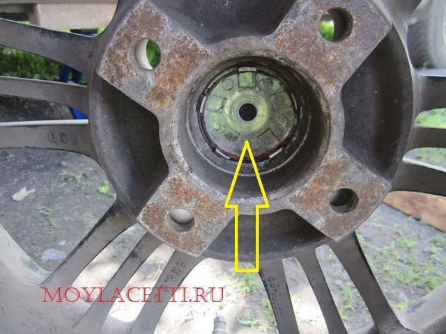Замена переднего ступичного подшипника на Шевроле Лачетти: видео