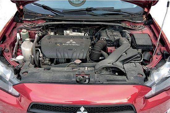 Какое масло лучше лить в двигатель Митсубиси Лансер 10 1.8