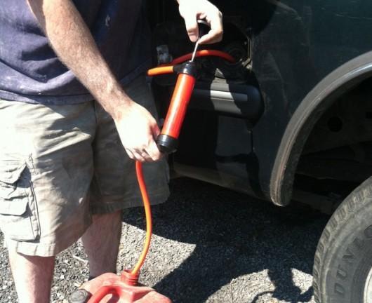 Как слить бензин из бака Лада Гранта: фото и видео
