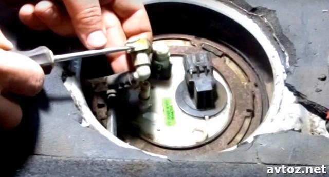 Как поменять топливный фильтр на Шевроле Авео: фото и видео