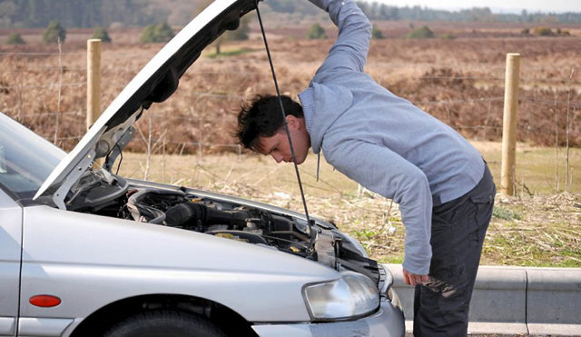 Почему машина глохнет при резком торможении: фото и видео