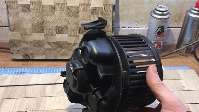 Замена моторчика печки Рено Логан своими руками (+видео и фото)