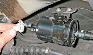 Как поменять топливный фильтр на Шевроле Лачетти: фото и видео