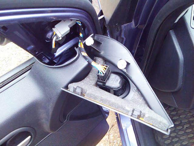 Как разобрать переднюю дверь на Форд Фьюжн: фото и видео