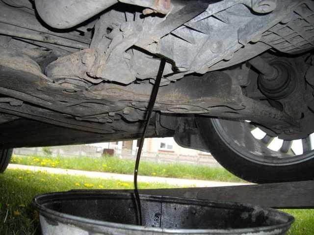 Замена масла в МКПП на Форд Фокус 2: проверка уровня