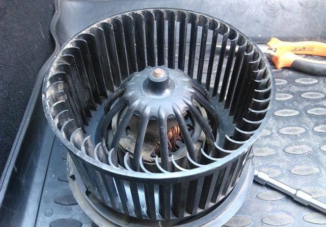 Почему не греет и не работает печка Рено Симбол: фото и видео