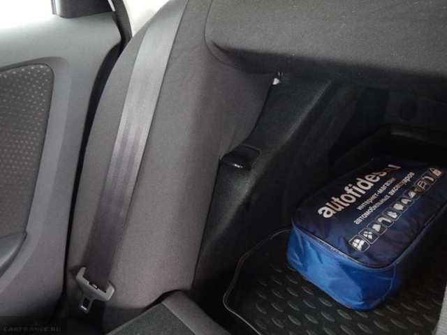 Как разложить и снять заднее сиденье на Рено Дастер: фото, видео