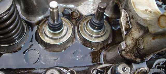 Замена маслосъёмных колпачков ВАЗ-2112 16 клапанов без снятия головки