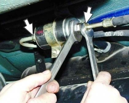 Замена топливного фильтра на ВАЗ-2114: 8 клапанов, инжектор