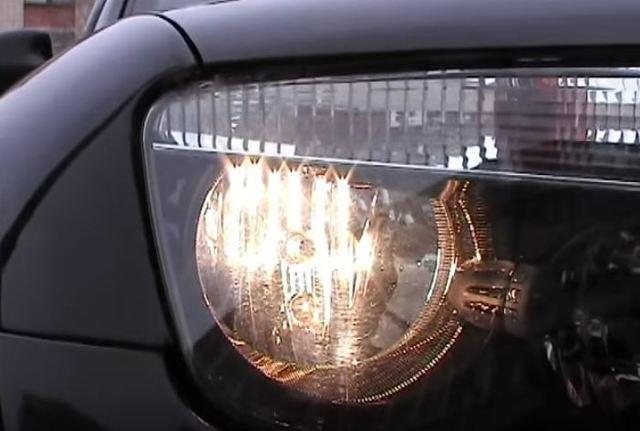 Замена лампы ближнего света на Рено Дастер: фото и видео