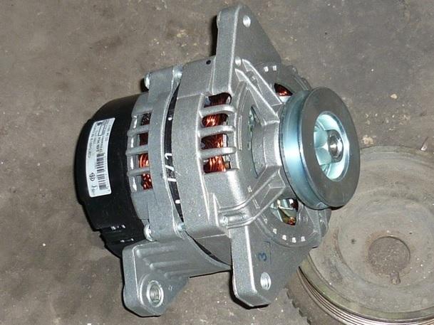 Какой генератор установлен на Лада Гранта с завода