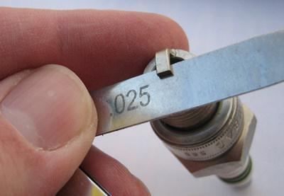 Какой должен быть зазор на свечах ВАЗ-2114: регулировка и видео