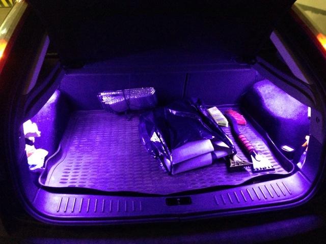 Как снять плафон освещения салона на Форд Фокус 2