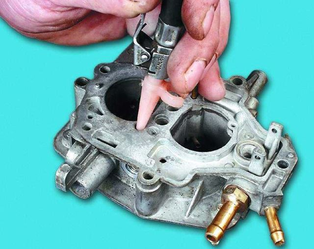 Почему скачут обороты двигателя на холостом ходу: причины