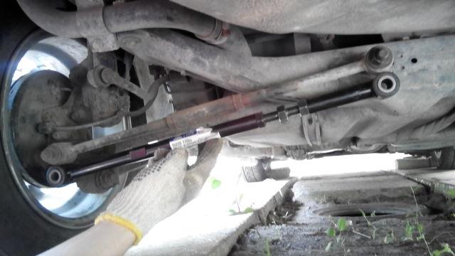 Замена сайлентблоков задней балки НА Тойота Королла 120: видео