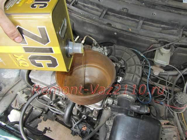 Замена масла в двигателе на ВАЗ-2112 16 клапанов: фото и видео