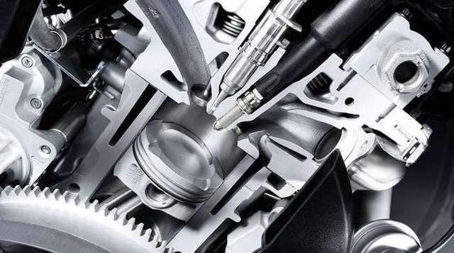 Какое масло лить в двигатель на Пежо 308: объём и расход