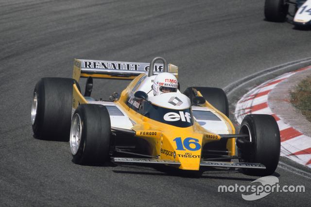 Концерн renault выкупил одну из команд Формулы-1 вместе с водителями