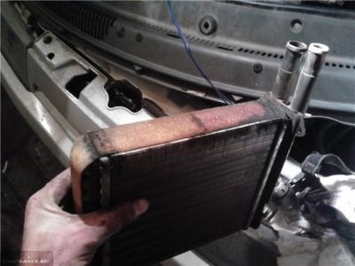 В салоне ВАЗ-2114 запах тосола: потёк тосол в салон, фото, видео