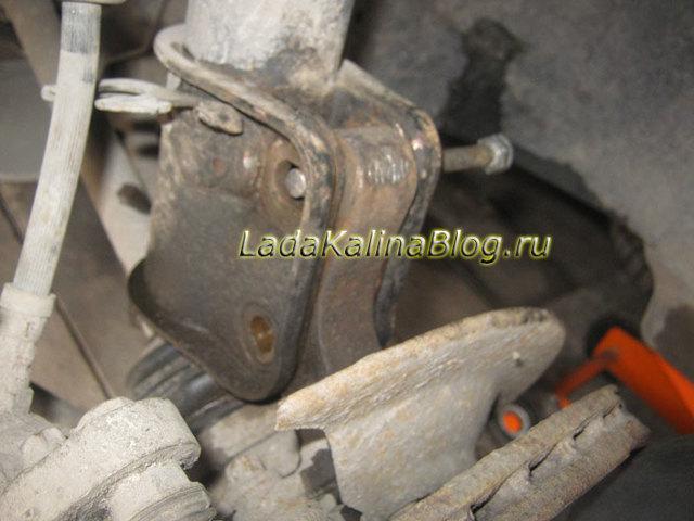 Замена передней стойки (амортизатора) на Лада Калина: фото, видео