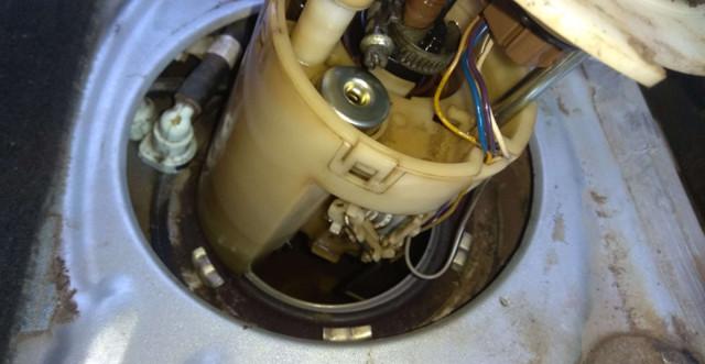 Где на Шевроле Авео находится топливный модуль: фото и видео