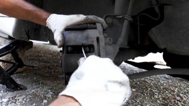 Замена подшипника передней ступицы ВАЗ-2110 своими руками: видео