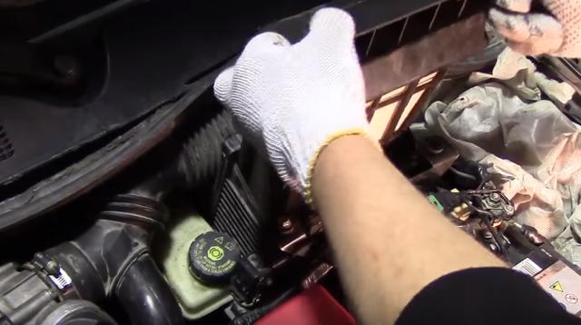 Замена воздушного фильтра на Рено Меган 2 своими руками: фото и видео