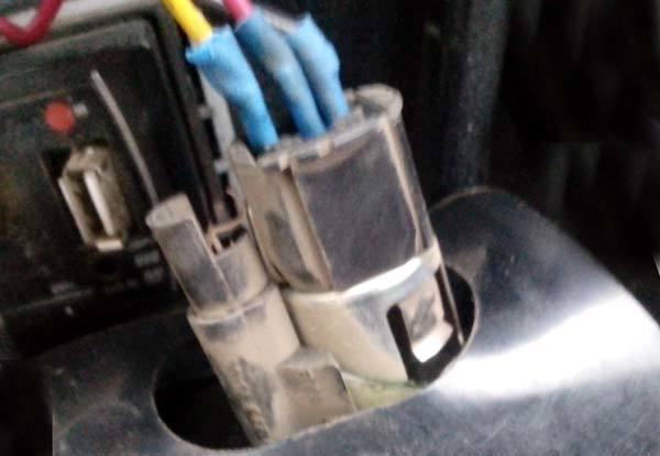 Где находится предохранитель прикуривателя ВАЗ-2112: фото и видео