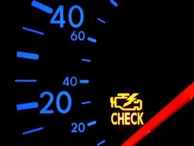 Горит чек двигатель на ВАЗ-2114 работает нормально, что делать?