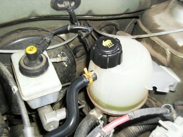 Какая охлаждающая жидкость залита в Лада Ларгус с завода?