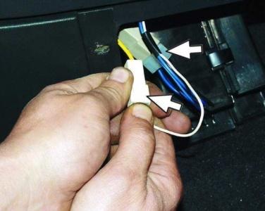 Как снять и заменить прикуриватель на ВАЗ-2110