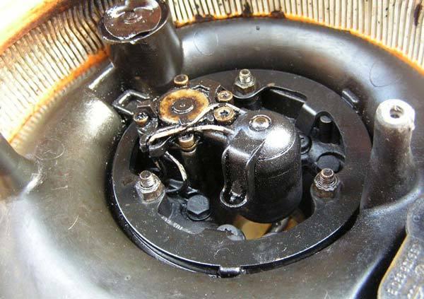 Почему масло попадает в воздушный фильтр на ВАЗ-2112 16 клапанов