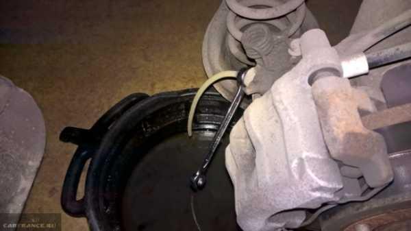 Как залить тормозную жидкость в Форд Фокус 2: фото и видео